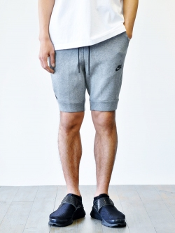 NIKE TECH PACK SHORTS GREY