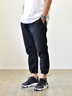 ZANEROBE  Jumpa Tech pant ALL BLACK ジャパンモデル
