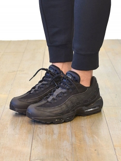 NIKE 限定 AIR MAX 95  ESSENTIAL  BLACK