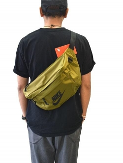 NIKE TECH SHOULDER BAG KHAKI